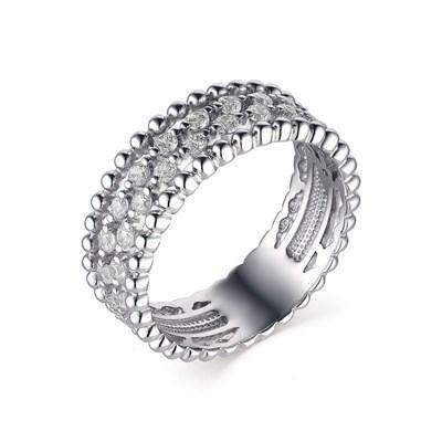Кольцо из серебра с фианитовой обсыпкой.